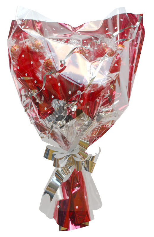 Traditional Style Bouquet, Lindt, Red